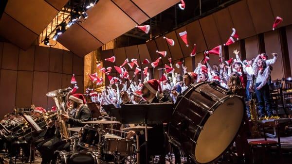 Natale no stop, il coro di voci bianche della Sinfonica in concerto al Politeama