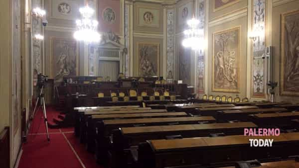 Absent government and empty benches, the electoral campaign for the administrative authorities stops the Ars thumbnail