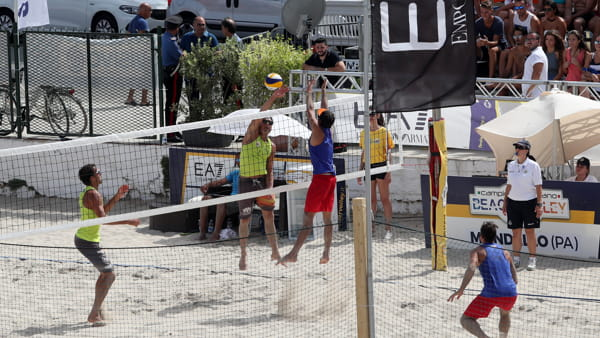 Torneo di beach volley, weekend di sport a Mondello