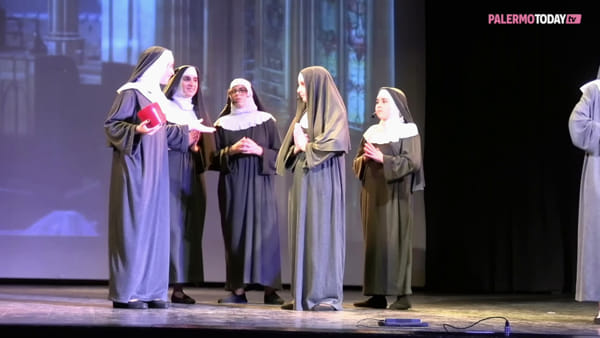 VIDEO | Sister Act-ion, la risata è solidale: spettacolo di beneficenza per il Parco della Salute