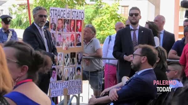 Palermo piange ancora per Borsellino: ore 16.58, tutti in silenzio in via D'Amelio | VIDEO