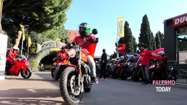 Ducati tour, la rossa di Borgo Panigale infiamma il cuore dei palermitani | VIDEO