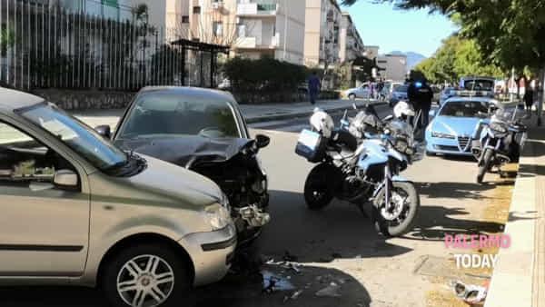Il furto al mercatino, poi la fuga dalla polizia e lo schianto: le immagini da Falsomiele | VIDEO