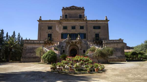 """Santa Flavia, visita e brunch al Castello San Marco: tour al """"villino"""" del principe di Mirto"""