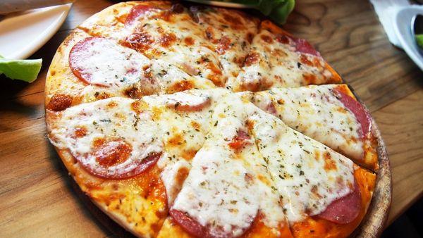 Cinisi, una pizza gourmet al Comune: prende vita l'idea del sindaco Palazzolo