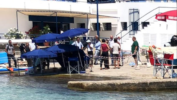 Malore in acqua a Mondello, morta una donna