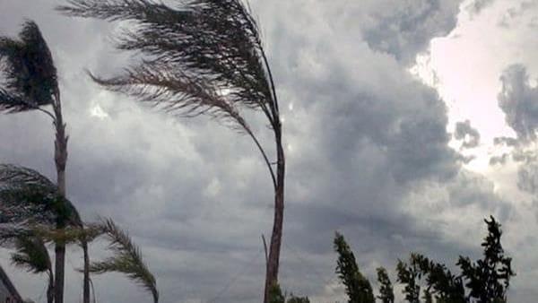Meteo, primo assaggio invernale con pioggia e vento: l'incognita del ciclone mediterraneo...