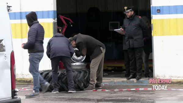 Esplode pneumatico, muore giovane gommista di 18 anni: le immagini dal luogo della tragedia | VIDEO