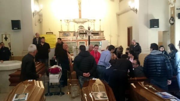 Tragedia di Casteldaccia, la camera ardente-2