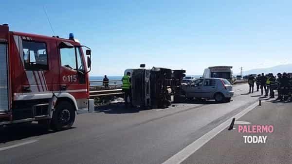 incidente autostrada palermo catania 9 aprile 2019-2