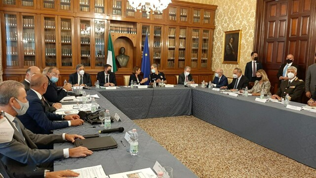 """Lamorgese in Palermo to chair the Safety Committee: """"Landings on the rise"""" thumbnail"""