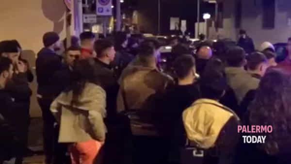 VIDEO | Fermato un giovane per l'omicidio di Paolo: caos davanti alla caserma dei carabinieri di Cinisi