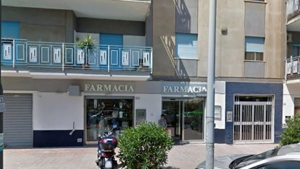Via Oreto, rapina in farmacia: bottino 150 euro
