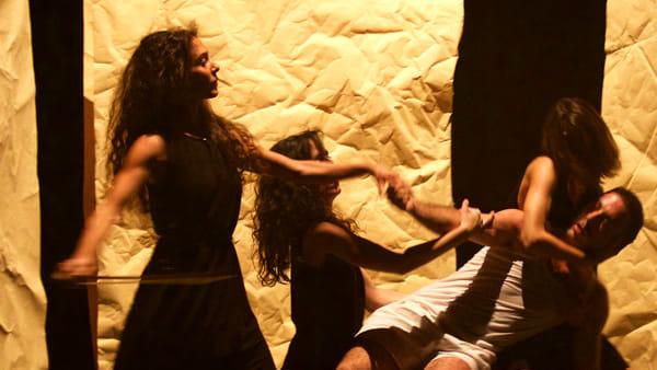"""""""Un4tunate Tales"""", il teatro ispirato a Gogol: lo spettacolo sul palco del Libero"""