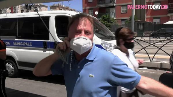 VIDEO | Sperone, topi e rifiuti nell'area del mercatino: bancarelle montate altrove ma intervengono i vigili