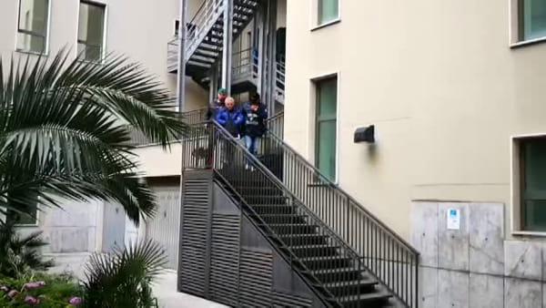 La banda mafiosa delle industrie di caffè: l'uscita degli arrestati | VIDEO