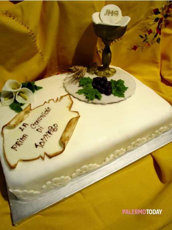 Torta Decorata Per La Prima Comunione Di Un Bambino Blog