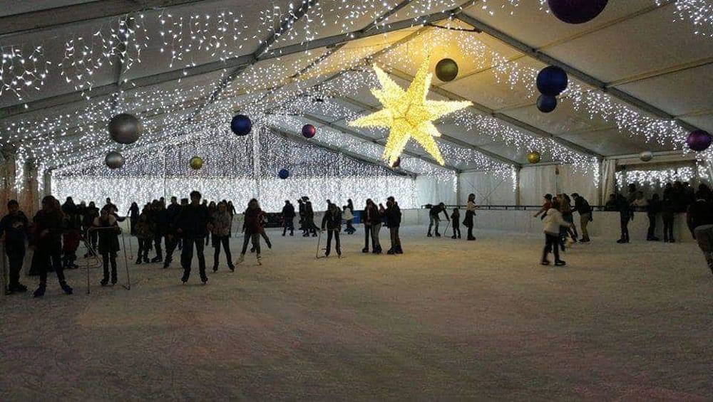 Bagno In Comune In Inglese : Caffarel day al palermo on ice al giardino inglese 14 dicembre 2018
