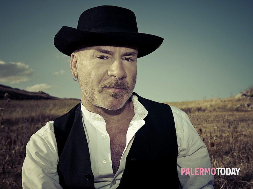 Il cantautore Mario Venuti (foto archivio)