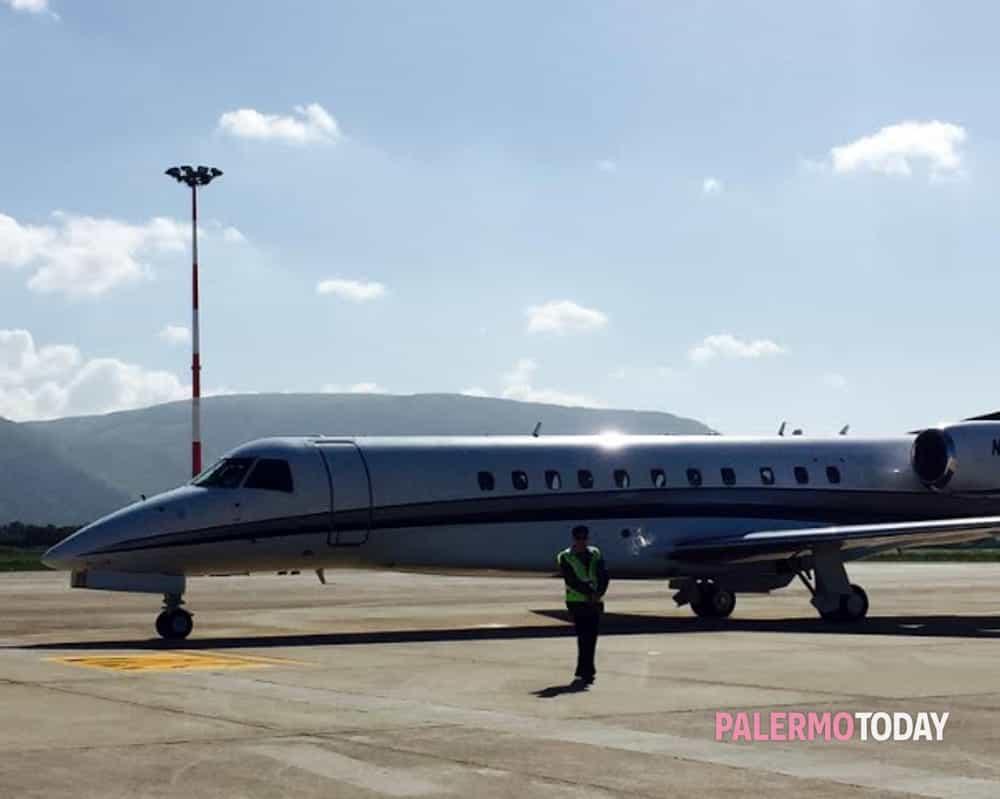 Jet Privato Bologna : Bye bye palermo dopo giorni rockefeller sale sul suo jet
